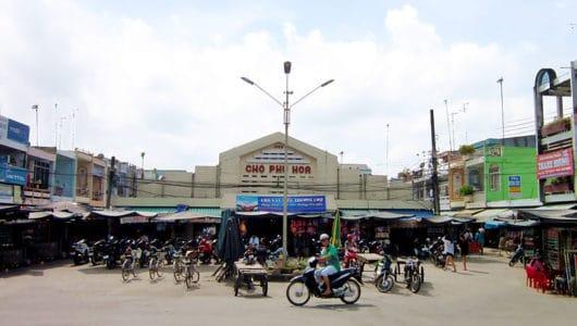 Chợ_Phú_Hòa
